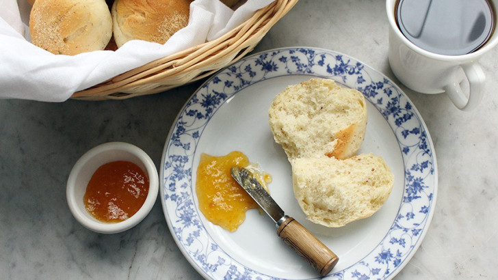 Vegan Filipino Bread Recipe: Pandesal