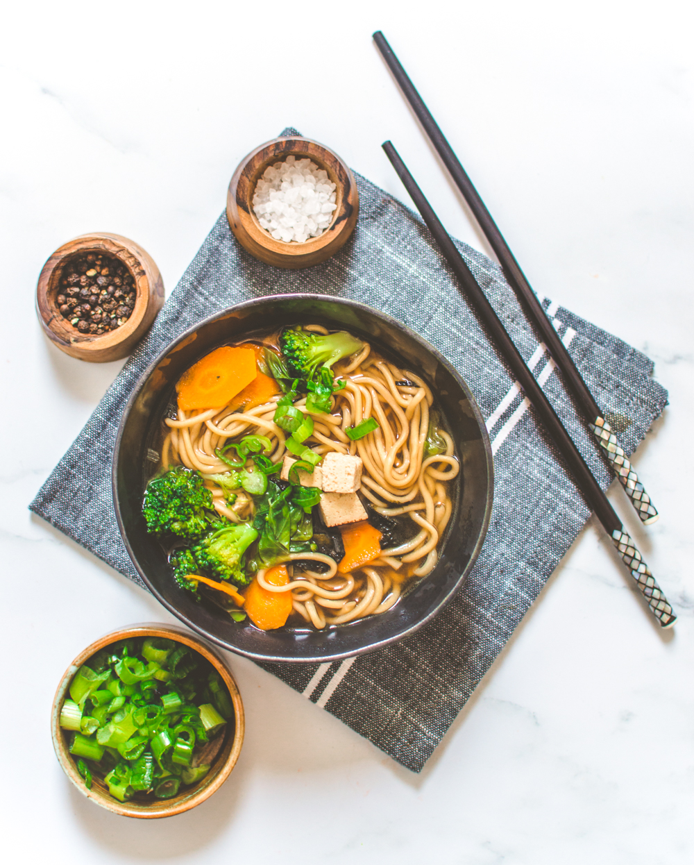 Super Quick Miso Noddles Soup