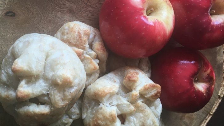 Fall Vegan Dessert Recipe | Apple Walnut Pastry Purses