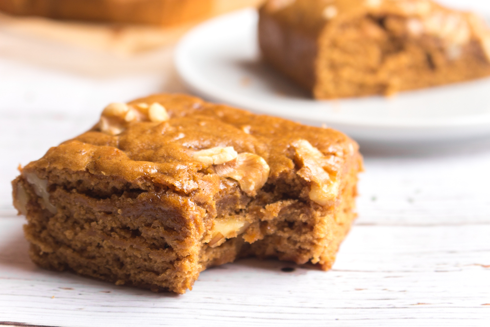 Vegan Blondies | Walnut Maple Spice | WorldofVegan.com | #blondies #recipe #baking #vegan #holiday