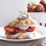 Easy Vegan Strawberry Shortcake Recipe | Easy Vegan Dessert Idea | WorldofVegan.com | #shortcake #cake #picnic #strawberry #tea #party #worldofvegan
