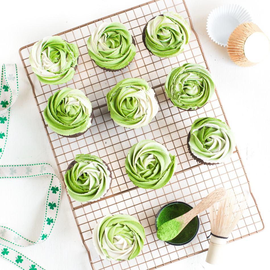 Vegan St. Patrick's Day Cupcakes With Matcha Frosting | WorldofVegan.com | #vegan #matcha #cupcakes #dairyfree #green #recipe