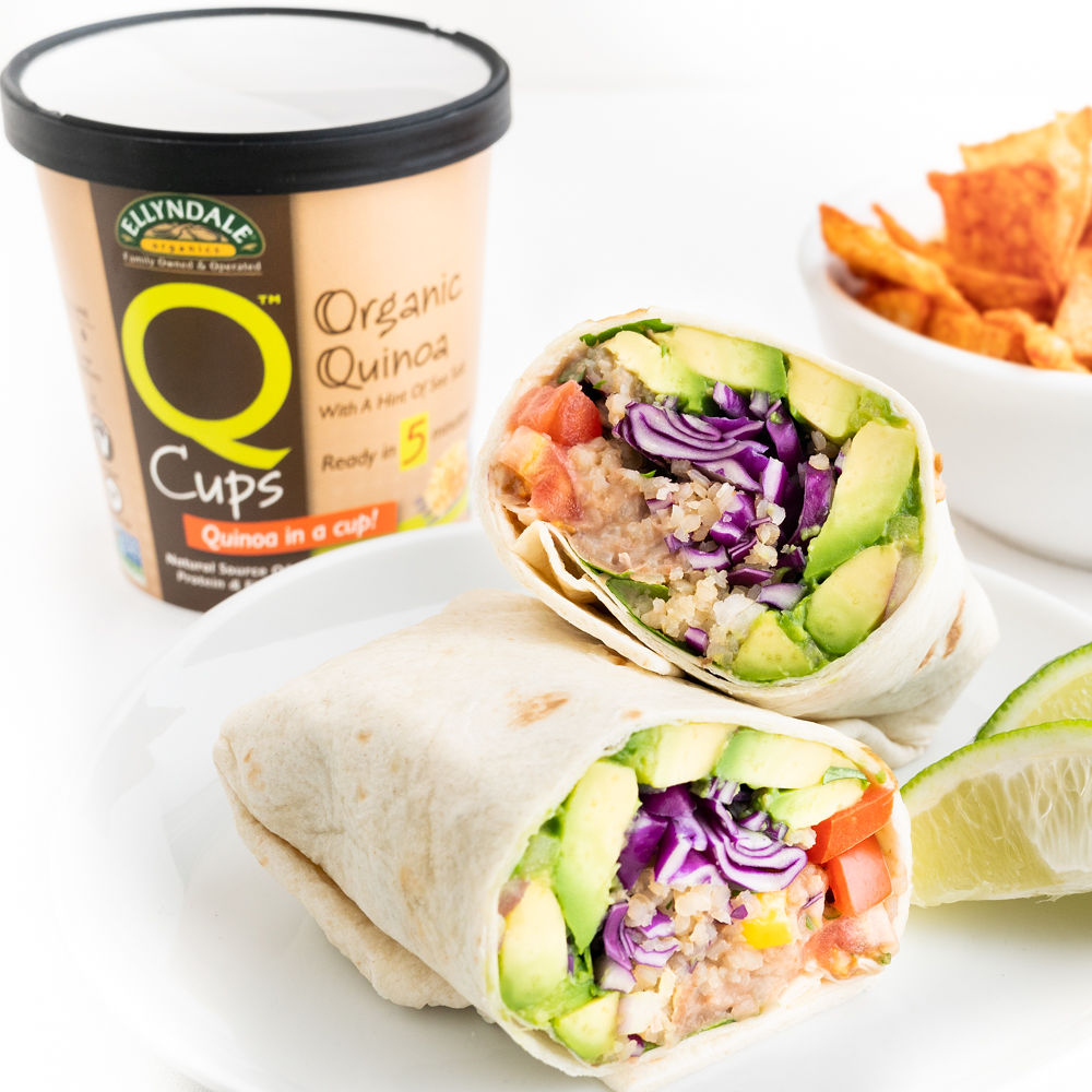 Super Easy Vegan Burrito | Worldofvegan.com | #burrito #lunch #quinoa #healthy #mexican #worldofvegan