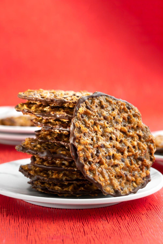 Vegan Florentine Cookies | World of Vegan | #cookies #vegan #florentine #lace #chocolate #baking #worldofvegan