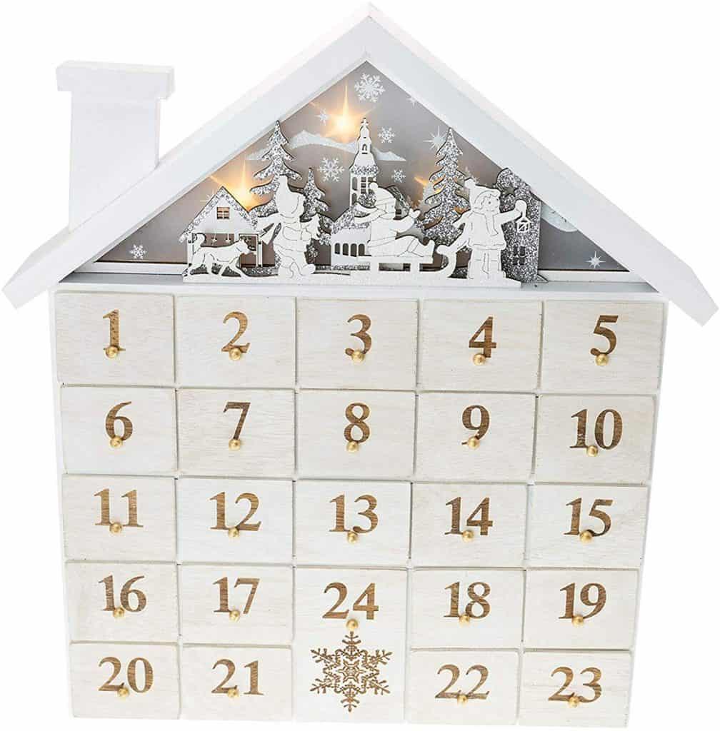 Guide To Vegan Advent Calendars: Store Bought & Homemade | World of Vegan | #christmas #calendar #holidays #vegan #conscious #eco #worldofvegan