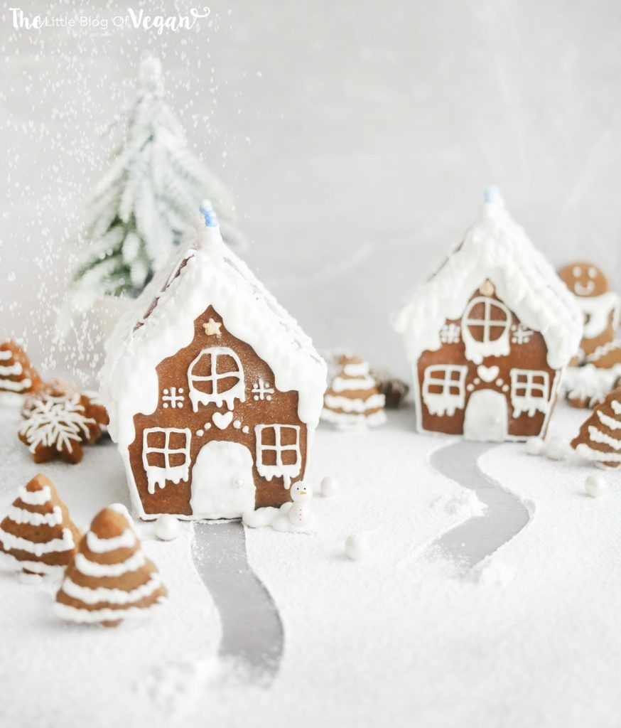 The Ultimate Christmas Guide | Gingerbread House | #christmas #baking #ginger #house #vegan #worldofvegan