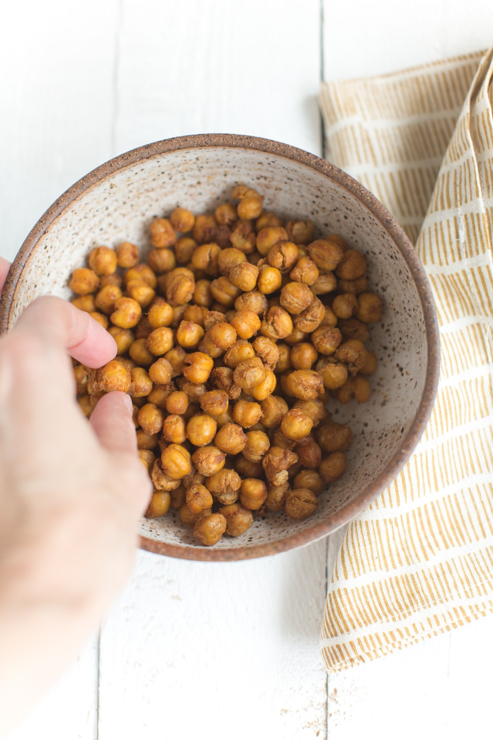 Easy Roasted Chickpea Snack