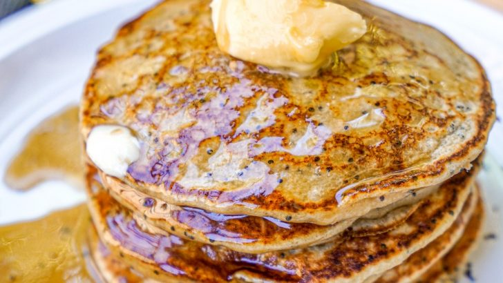 Perfect Vegan Lemon Poppyseed Pancakes